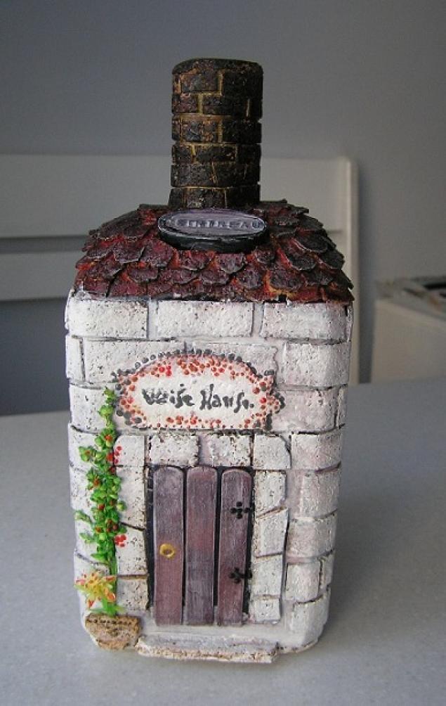 Сделать своими руками бутылку домик