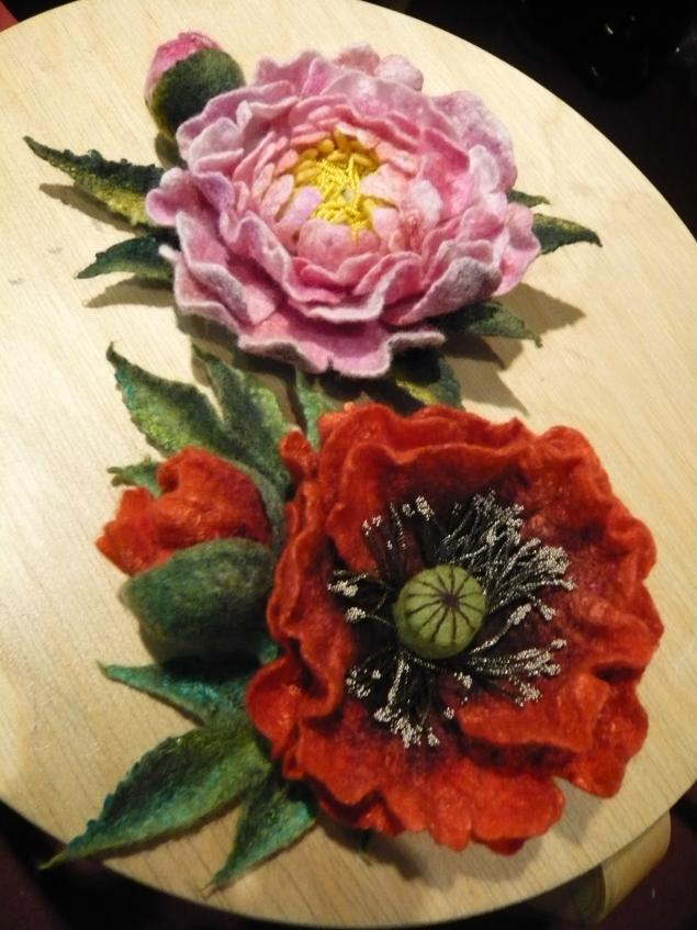 Валяные из шерсти цветы