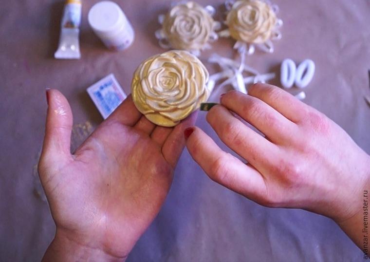 Создаем заколки с кружевом и золотыми розами из фоамирана, фото № 16