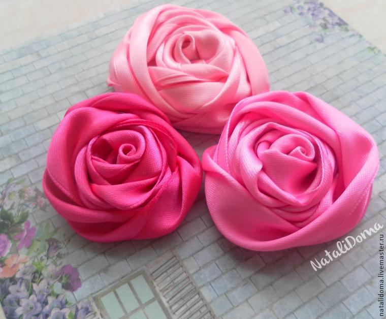 розы из лент, розы, вышивка лентами, цветы из лент
