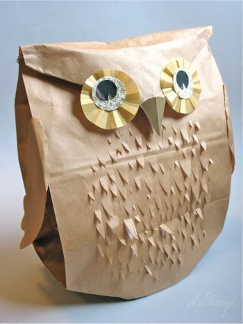 A DIY owl gift bag!! It's like a gift in itself!  Tutorial.