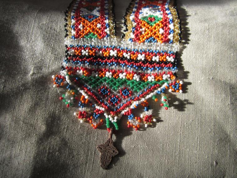 гайтан, гердан, чопка, цепь, чепь, гайтан с крестом, бисероплетение, бисер, стеклянный бисер, старинные рукоделия, православный крест, крест, народный костюм, старинная одежда, народная одежда, традиционные украшения