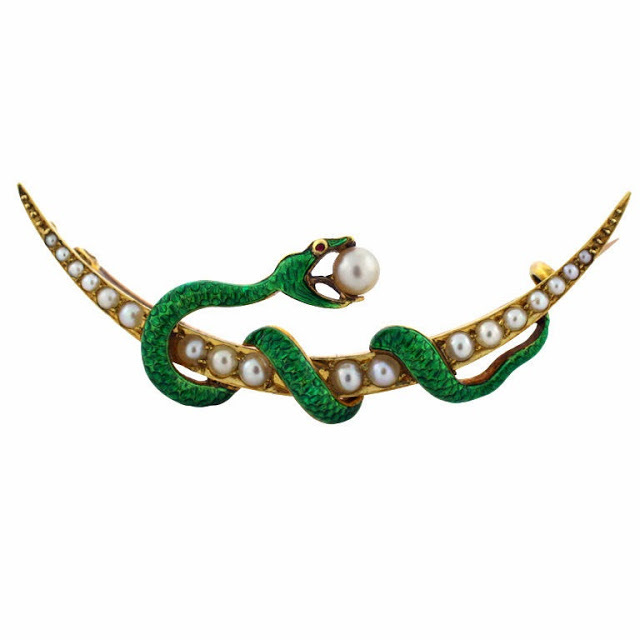 украшения в виде змеи