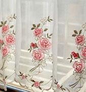Шторы украшенные ручной вышивкой