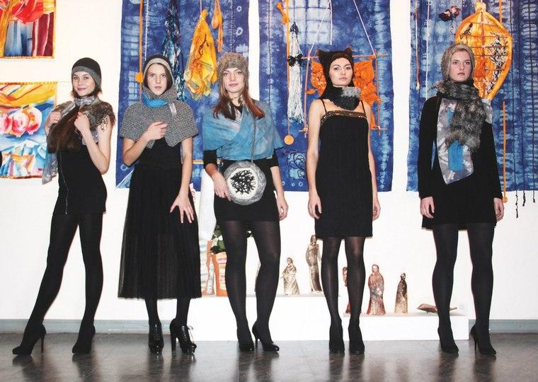 выставка, текстиль для дома, холодный батик, художественный текстиль