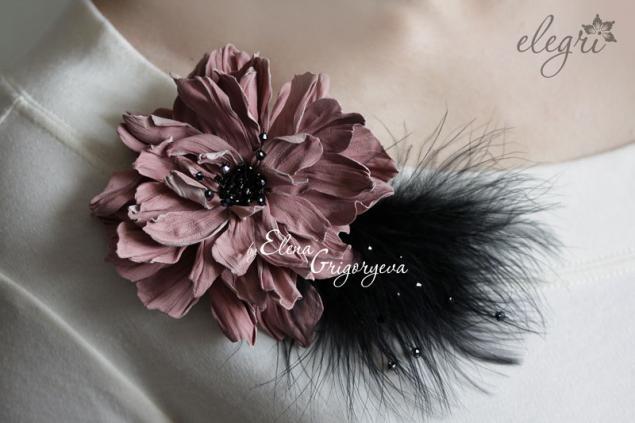 кожаный цветок, брошь с перьями, обучение флористике