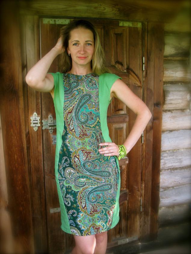 зеленое платье, платье, платье для девушки, яркое платье, узор, платок, лана зариньш