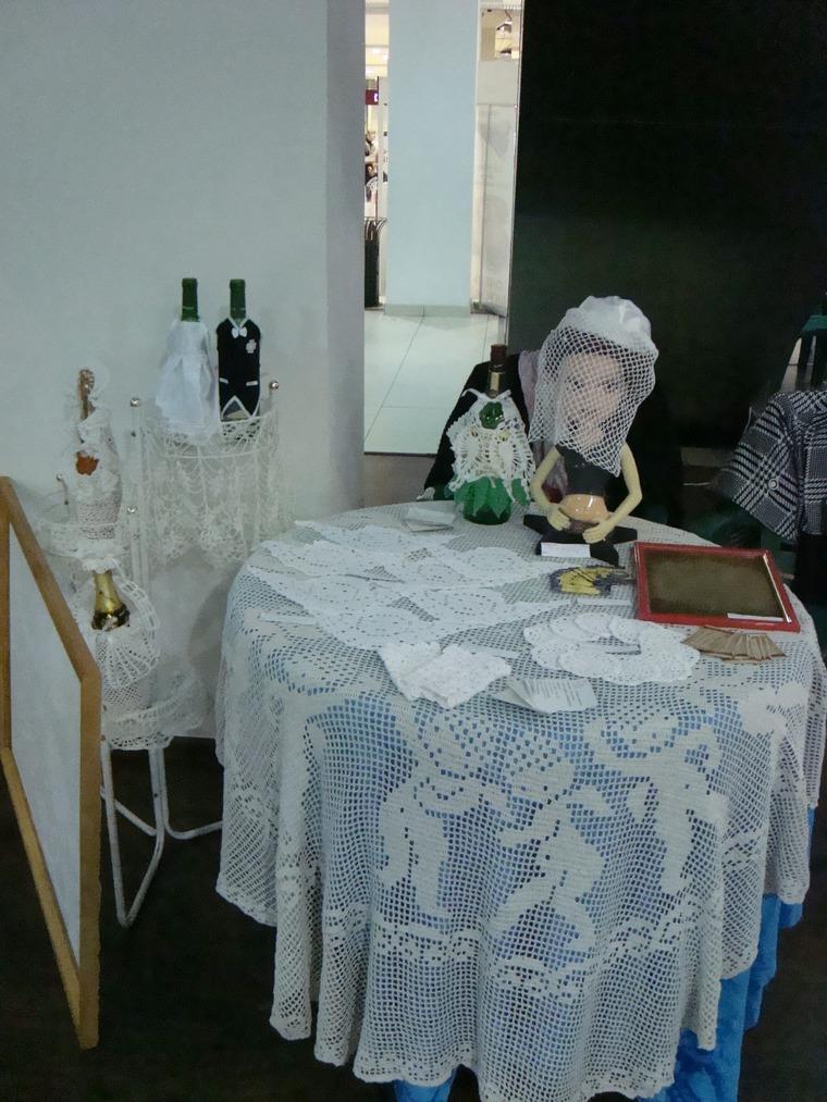 выставка, свадебные аксессуары, белые митенки, маркиза