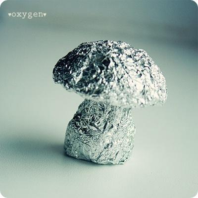 Как сделать грибочек из фольги и паперклея, фото № 2
