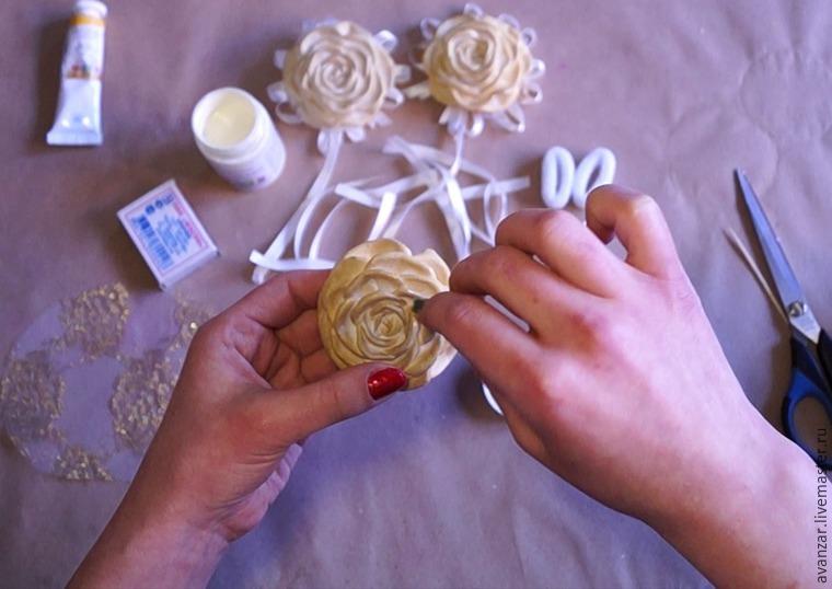 Создаем заколки с кружевом и золотыми розами из фоамирана, фото № 15