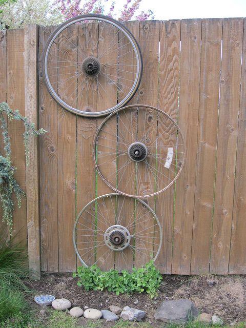 своими руками из велосипедных колес фото такая дружную семейку