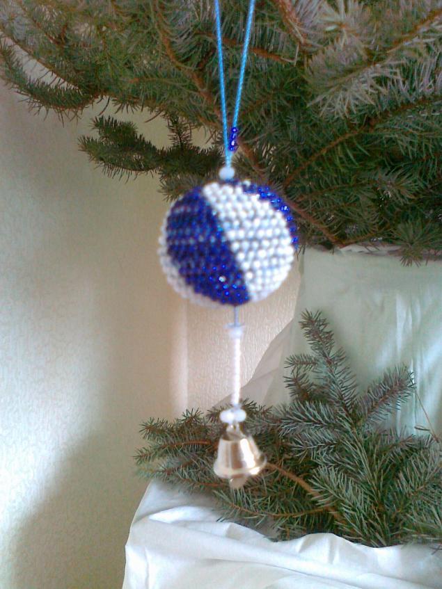Новогодний шарик в стиле Фэн шуй (вязание с бисером)