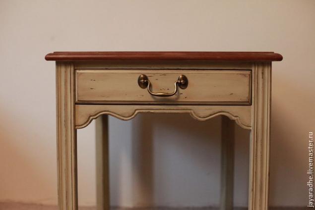 перекраска стола, переделка столика, состаривание