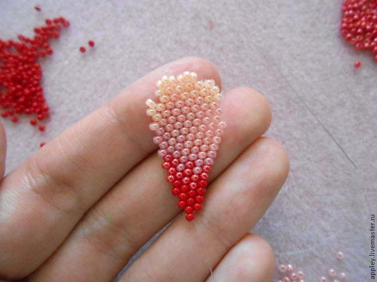 How to Make a Small Flower out of Beads, фото № 29