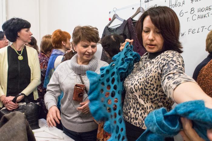 Вязаный женский пуловер с рукавом летучая мышь  сама