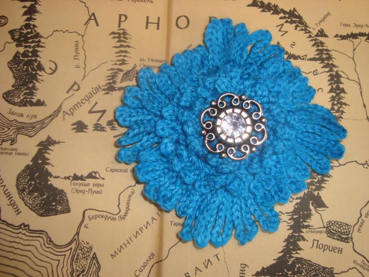 вязаное украшение, нарядные броши, магия, брошь на шарф, вязание крючком