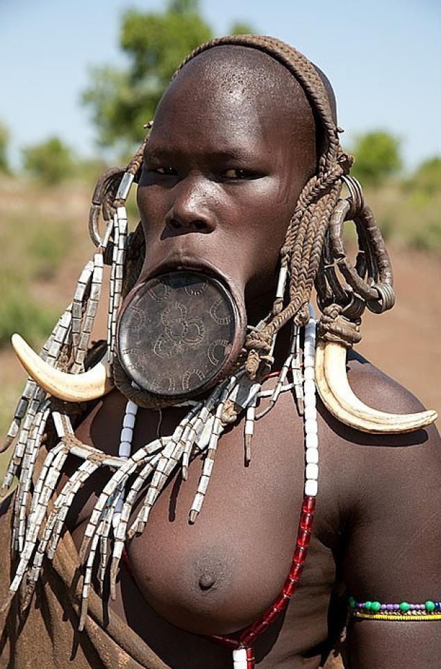Фото голых пись африканских племен фото 204-396