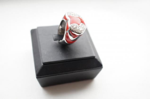 аукцион на украшения, день святого валентина, сталь