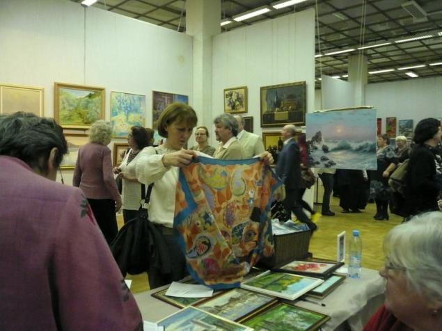 выставка-продажа, вернисаж, картина, шарфы на шелке, наш изограф