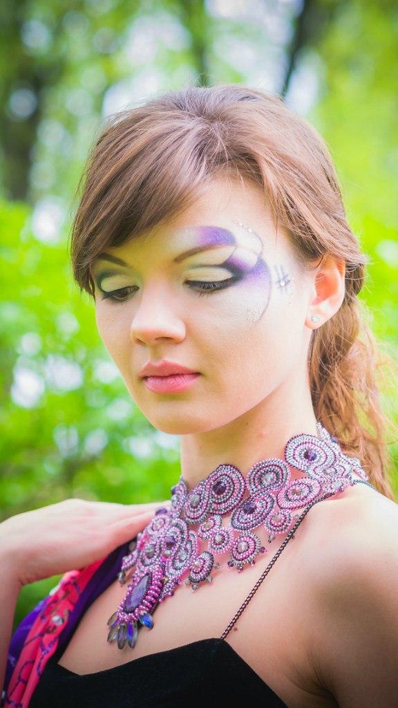 фотография, фотосессия, авторские украшения, колье из бисера, аметист, весна, фиолетовый, сумерки
