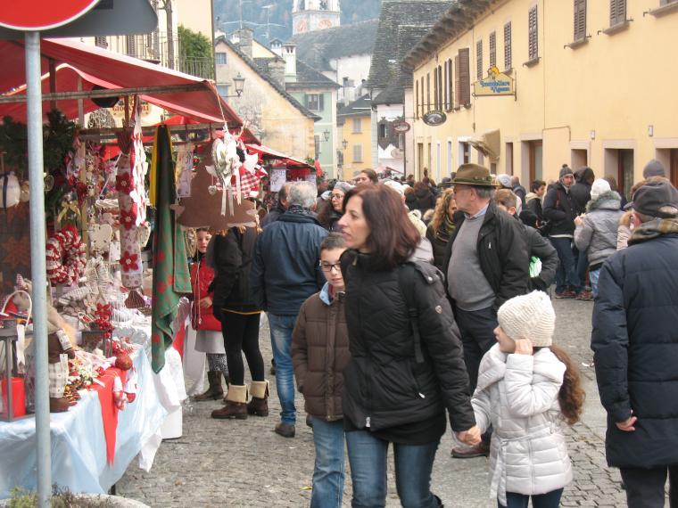 Рождественская рукодельная ярмарка в Санта-Мария-Маджоре, фото № 6