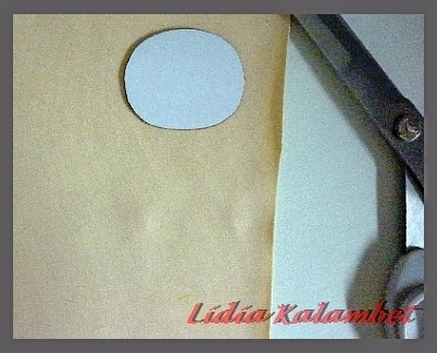 Личико кроим на бежевой ткани, или розовой, можно белой.