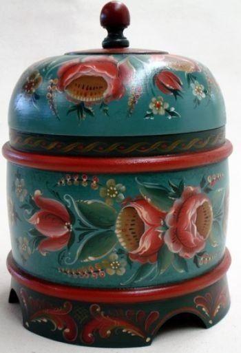 Rosemaling - Norwegian style of traditional decorative arts.