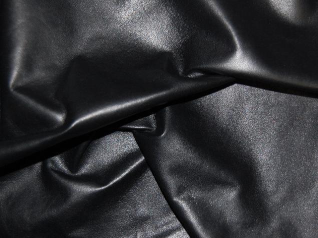 черный, стильный аксессуар