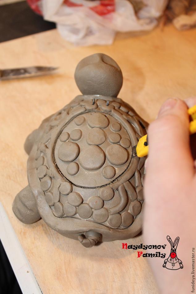 Поделка черепаха из глины