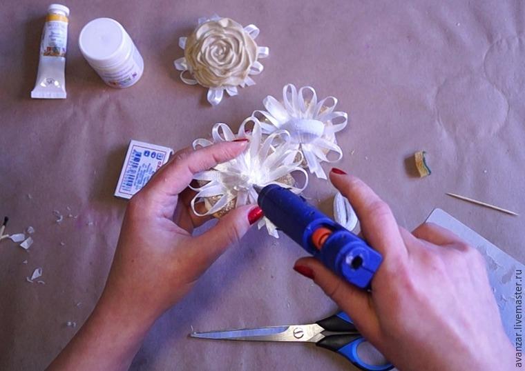 Создаем заколки с кружевом и золотыми розами из фоамирана, фото № 20