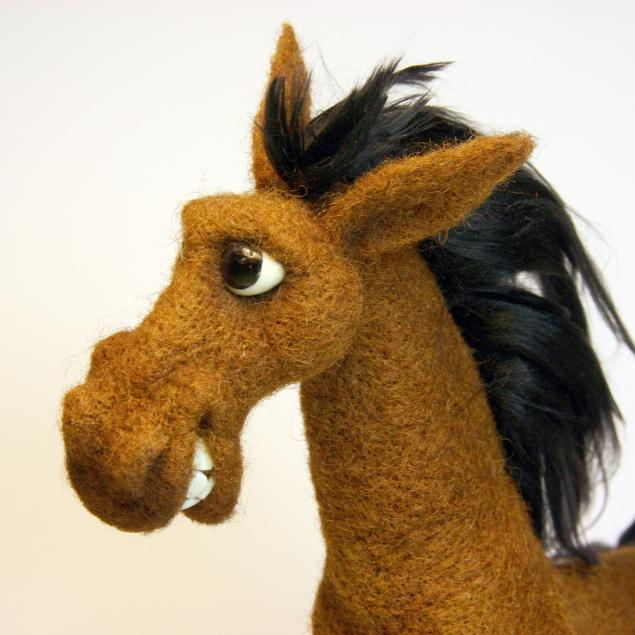 валяние, лошадь