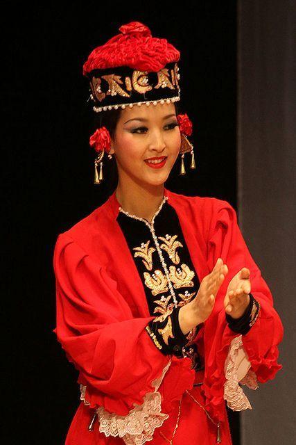 Kalmyk Folk Costume and Dance | Russia