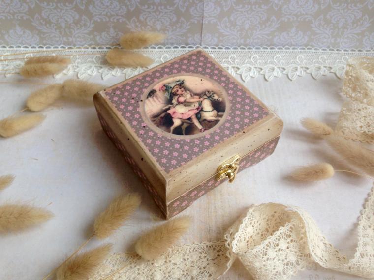 подарок девушке, аукцион на шкатулки, праздничная акция, акции и распродажи