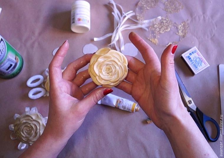 Создаем заколки с кружевом и золотыми розами из фоамирана, фото № 13