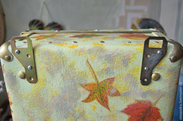 Старый чемоданчик превращается... в оригинальную полку, фото № 11