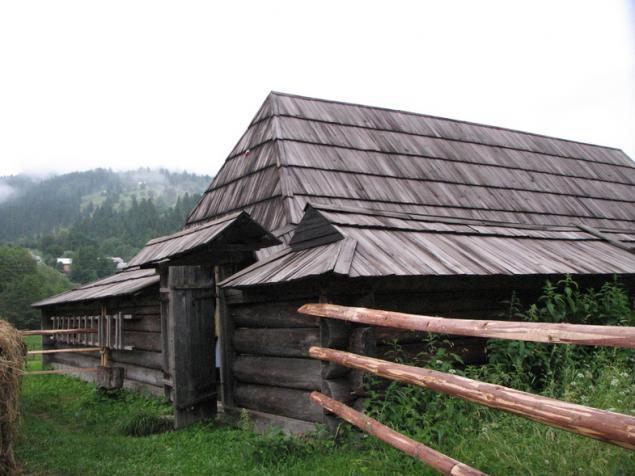 дом, укрепленный дом