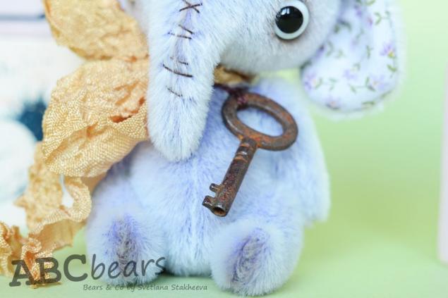 слоник, авторская работа, винтажный ключ