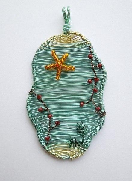 Проволочные кулоны-картины Louise Goodchilde, фото № 9