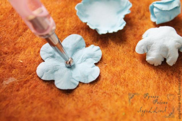 DIY Guide on Making Paper Flowers, фото № 13