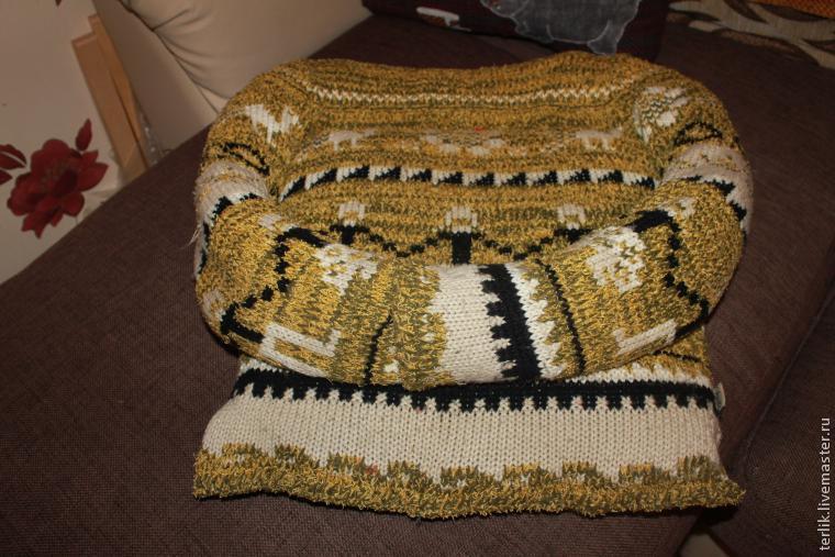 Лежанка для котов из свитера своими руками 292
