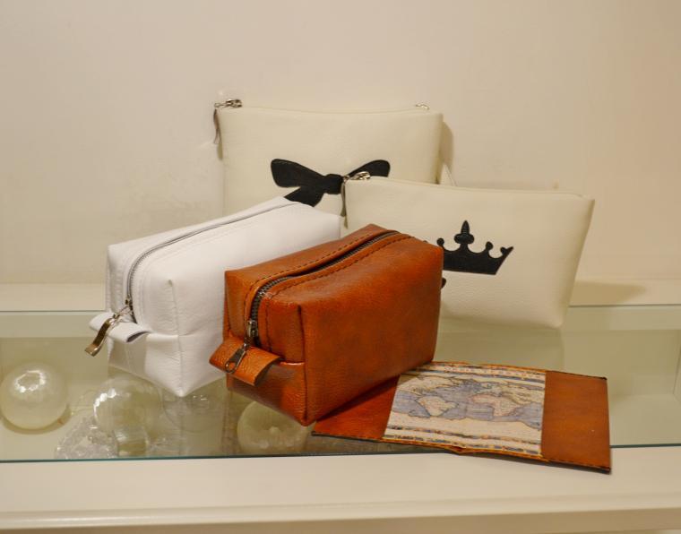 новогодняя акция, подарки, подарок девушке, распродажа, белый, кожаный клатч, косметичка, недорого, недорогой подарок, упаковка