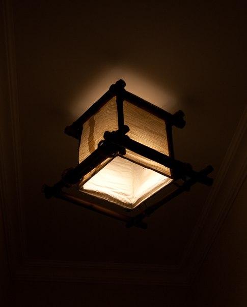 батик, светильник из бамбука, натуральные материалы