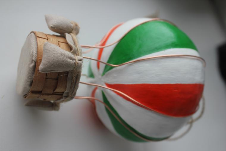 подарок коллеге, интерьерная композиция, яркий воздушный шар