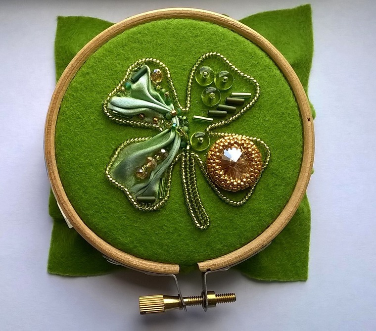 DIY on Creating a Cloverleaf Brooch for Luck, фото № 11
