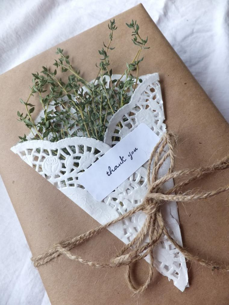 Упаковка подарка в крафт бумагу мастер класс 23