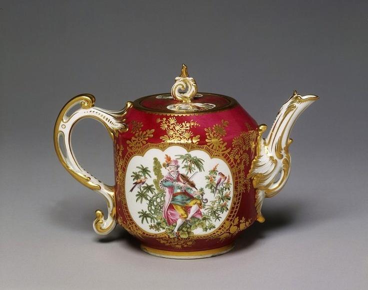 Teapot, Chelsea, England 1759-1769      Chelsea Porcelain Factory
