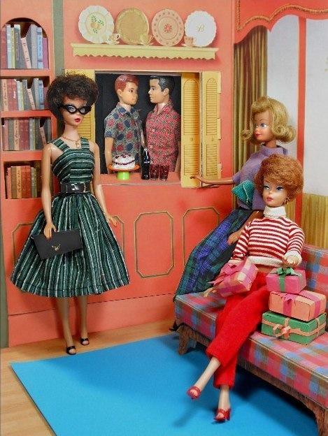 барби, винтаж, винтажная кукла, винтажная брошь