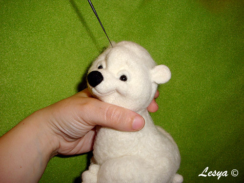 Мастер-класс по валянию игрушки медвежонка этап 49