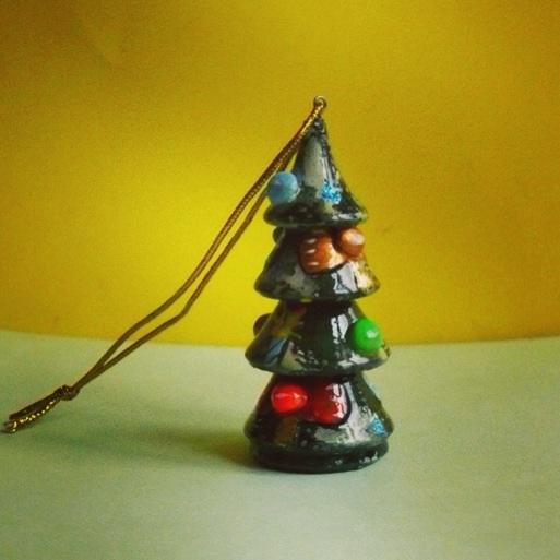 роспись по дереву, украшения, браслет, брошка, дети, занятие, развивающее занятие, подарок своими руками, елочная игрушка, дерево