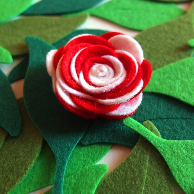 фетровые цветы